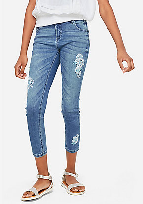 Embroidered Patch Crop Jeans